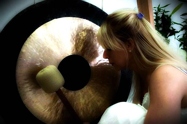 anika gong kupka